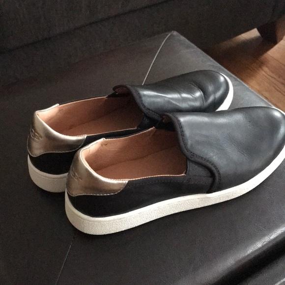 ugg cas slip on sneakers black